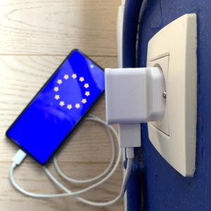 Kraj nezadovoljstva potrošača i e-otpada: Komisija predlaže jedinstveni punjač za elektroničke uređaje