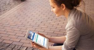 Komisija pozdravila dogovor o ukidanju naknada za roaming i jamstvu otvorenog interneta